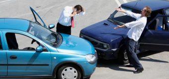 Miałeś wypadek w wypożyczonym samochodzie podczas pracy? Kto ponosi koszty naprawy?
