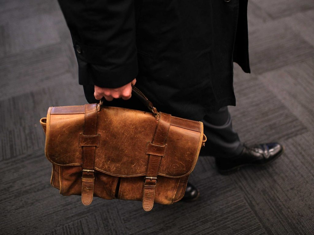 the-best-bags-for-guys-to-carry-to-work