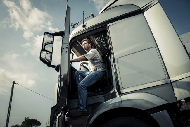 life-as-a-truck-driver-balance-between-highway-and-home-27