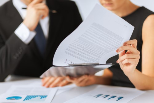 istock-authority_business_lawyer_contract-185365674