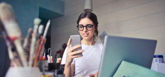 Jak zabezpieczyć swój telefon podczas pracy?