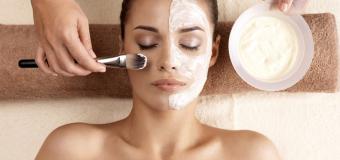 Jak wygląda praca kosmetyczki? Ile można zarobić?