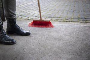 sweeping-3405224__340