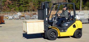 W świecie przemysłu: czy wynajem wózka widłowego to dobry pomysł?