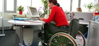 Z myślą o wszystkich pracownikach – must have usprawnień w biurze dla niepełnosprawnych