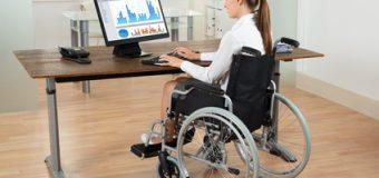 Zatrudniasz osoby niepełnosprawne? Radzimy jak przystosować firmę do ich potrzeb.