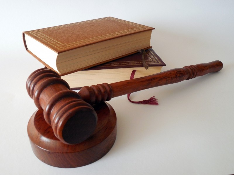 hammer-books-law-court-lawyer-paragraphs-rule