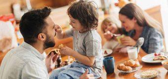 Polskie realia kontra wychowywanie dzieci przez rodziców pracujących.