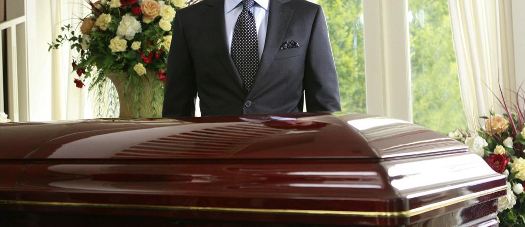 funeral-director-mortician-undertaker