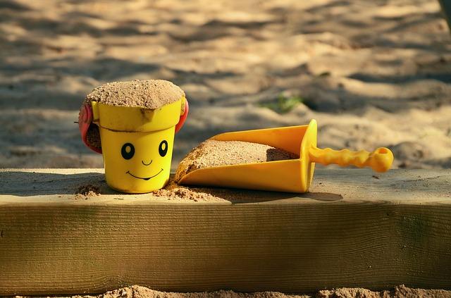 sand-pit-1345728_640