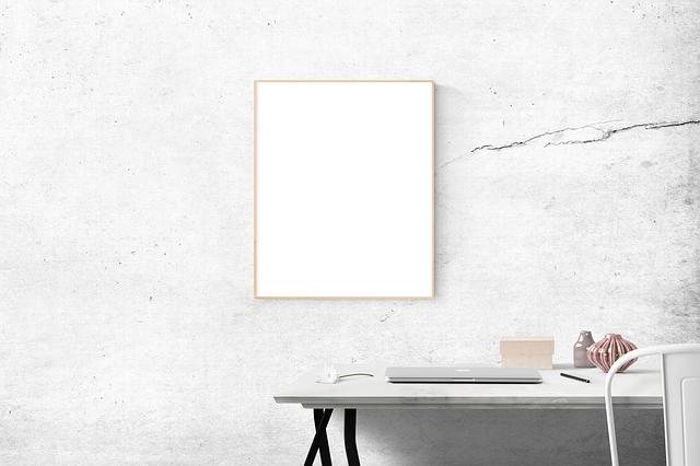 blank-1868502_640