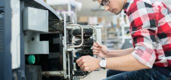Jak posiadanie kserokopiarki może ułatwić pracę w domu i w biurze?