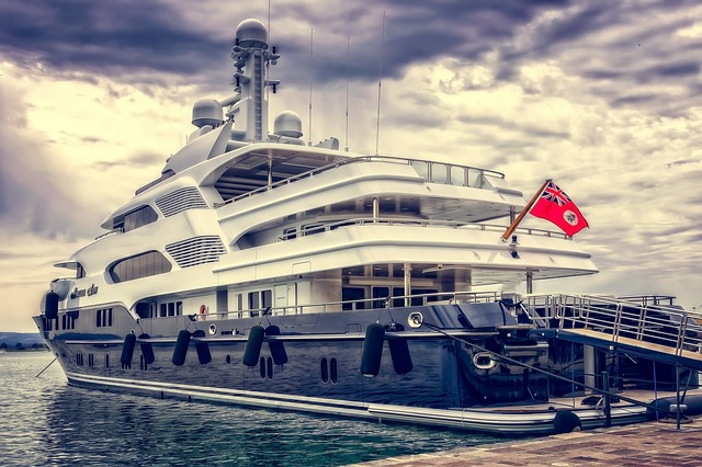 yacht-3480913_640