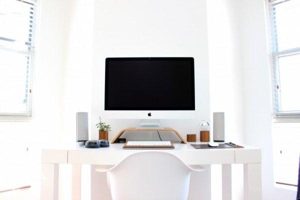 office-speaker-window-plant