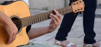 Dla charakterystyka brzmienia i parametrów gry: co może serwis gitar?